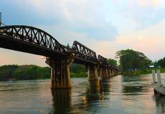 Мост Kwai реки после осадок стоковое изображение