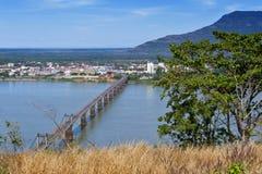 Мост Lao-японии над Меконгом на южном городке Lao Pakse в провинции Champasak, Lao PDR Стоковые Изображения