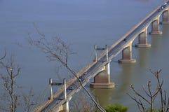 Мост Lao-японии над Меконгом на южном городке Lao Pakse в провинции Champasak, Lao PDR Стоковые Изображения RF