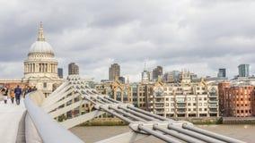 Мост Londen Великобритания Milenium Стоковая Фотография RF