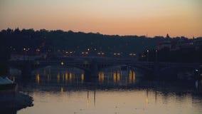 Мост Manesov на сумерк видеоматериал