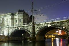 Мост Museumsinsel Берлина стоковая фотография rf