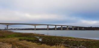 Мост Orwell мост Orwell над рекой Orwell Стоковое фото RF