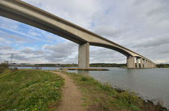 Мост Orwell с путем Стоковое Изображение