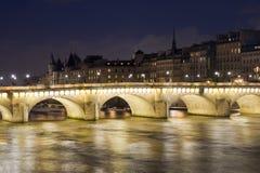 мост paris Стоковая Фотография