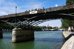 Мост Pont des Arts, Париж, Франция. Стоковое Изображение