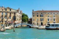 Мост Ponte del Vin в Венеции, Италии Стоковое фото RF