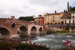 Мост Ponte Pietra, Верона Стоковые Фотографии RF
