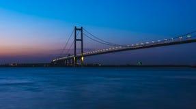 Мост Runyang на ноче Стоковые Фото
