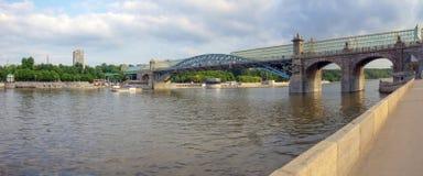 Мост ` s Pushkin пешеходный Стоковые Фотографии RF