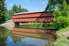 Мост Sachs с отражением в воде в Gettysburg, Пенсильвании Стоковое Изображение