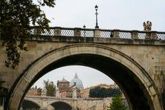 Мост Santangelo с государством Ватикан, Римом, Италией Стоковые Изображения