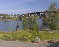 Мост Sellwood и река Willamette стоковая фотография
