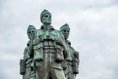 Мост Spean, Шотландия - 31-ое мая 2017: Мемориал предназначенный к людям великобританских сил командоса поднял во время стоковое изображение rf