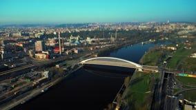 Мост Troja в промежутке времени Праги воздушном сток-видео