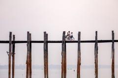 Мост u Bein, Amarapura, Мандалай, Мьянма Стоковое Изображение RF
