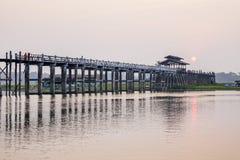 Мост u Bein, Amarapura, Мьянма Стоковое Изображение RF