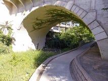 Мост Vacaville Creekwalk Стоковое Изображение RF