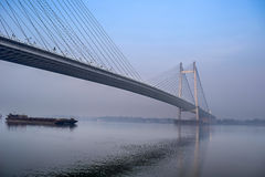 Мост Vidyasagar Setu, река Hooghly, Kolkata, западная Бенгалия, Ind Стоковое фото RF