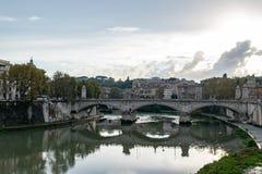 Мост Vittorio Emanuele Ponte II известный мост в Риме стоковые изображения