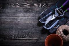 Моток бака торфа pruner сада защитной перчатки строки Стоковые Изображения