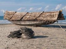 Моторка в середине открытого моря Лаке Таюое, Калифорнии, Соединенных Штатов Стоковые Изображения