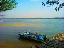 Моторка на реке Стоковые Изображения RF
