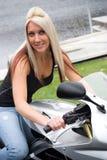 мотоцикл девушки Стоковые Фотографии RF
