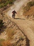 мотоцикл с дороги гонщика стоковые фото