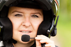Мотоциклист с шлемофоном Стоковые Фото