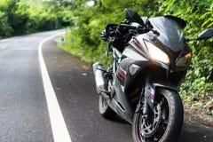 Мотоцикл путешествуя к природе Стоковые Изображения RF