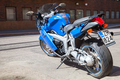 Мотоцикл спорта сини индиго BMW K1200 s Стоковое фото RF