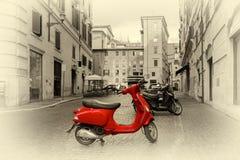 Мотоцилк на римской улице стоковые фото