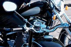 Мотоцилк ветерана хрома с зеркалом заднего вида Стоковые Изображения RF