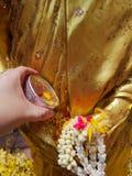 Моча Будда в фестивале Songkran стоковая фотография