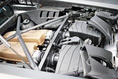 Мощно двигатель современного автомобиля спорт Двигатель стоковая фотография rf