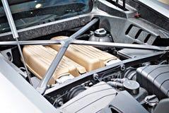 Мощно двигатель современного автомобиля спорт Двигатель стоковое изображение