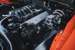 Мощный крупный план двигателя автомобиля спорт Стоковое Изображение RF