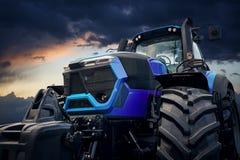 Мощный трактор против бурного неба Стоковая Фотография