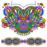 Мода вышивки Пейсли Neckline богато украшенная флористическая Стоковое Изображение