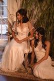 Модели представляя во время Claire Pettibone витрину собрания 4 сезонов Стоковые Фотографии RF