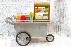 Модельный магазин масленицы тележки продовольственного магазина, Стоковые Фотографии RF