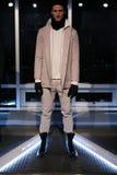 Модельный представлять во время w r K представление во время падения 2015 недели моды Мерседес-Benz Стоковое Изображение RF