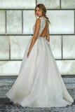 Модельный представлять на всходах lookbook RIVINI во время собрания падения 2015 Bridal Стоковые Фотографии RF