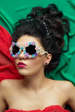 Модель девушки в солнечных очках Стоковые Изображения
