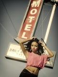 Модель знака мотеля трассы 66 сексуальная Стоковые Изображения