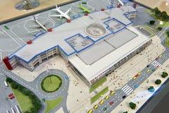 Модель здания и воздушных судн авиапорта Стоковая Фотография