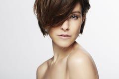 Модель с модными волосами Стоковая Фотография