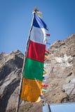 Молитва Непала сигнализирует на треке базового лагеря Annapurna, Непале стоковые фотографии rf