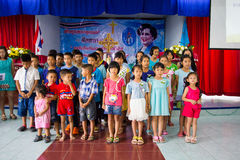 Молить для тайского ферзя на тайский день матери Стоковая Фотография